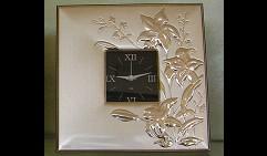 Часы «Лилии»