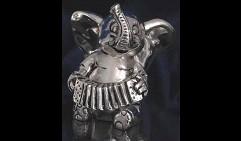 слоник музыкант с гармошкой
