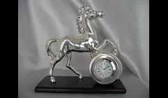 Часы Конь