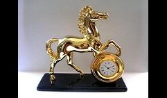 Часы Лошадь