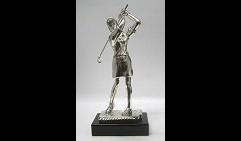 Скульптура Гольфистка