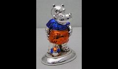 Скульптура Бегемот футболист