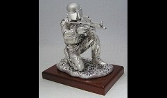 Скульптура Боец