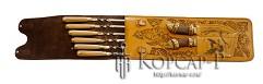 Шампурница подарочная из натуральной кожи, шампура 6 шт. , 58 см. , декоративная рукоять (дерево, бронза), мангал, нож, тяпка.