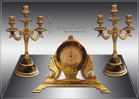 Набор с часами и канделябрами украшенный  КАМИННЫЙ