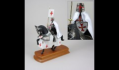 Рыцарь Тамплиер конный на подставке